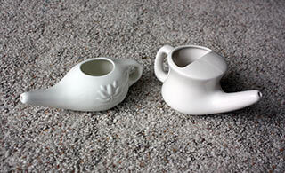 two neti pots